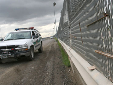 Obama, Republicans fail to advance hopes on immigration reform |Obamas Border Fence