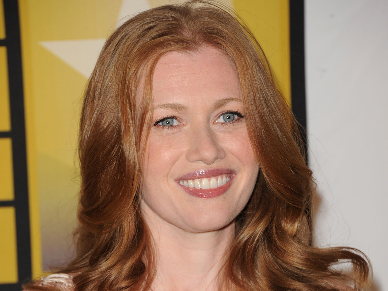 News Photo Mireille Enos Attends The World War Z Pictures To Pin