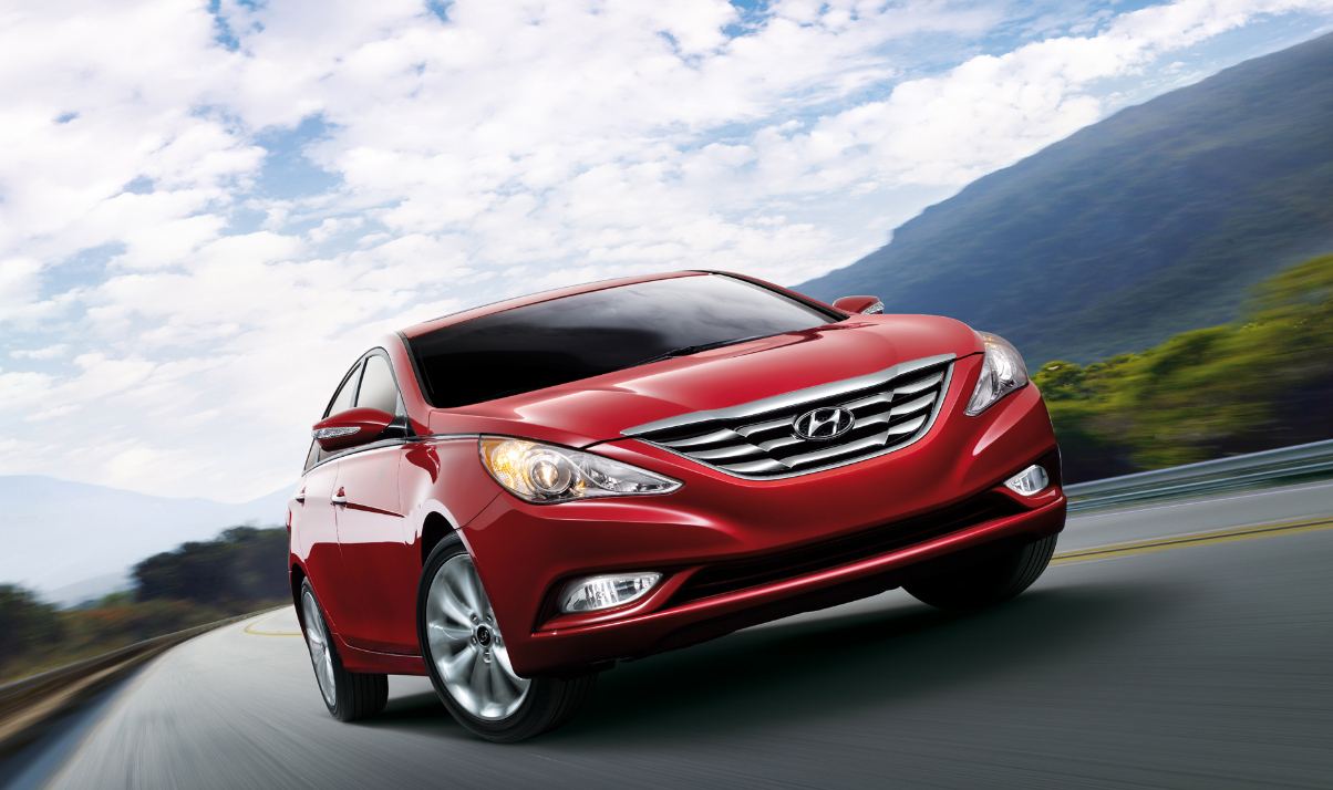Hyundai Recalls 978 000 Sonatas Over Faulty Seat Belts