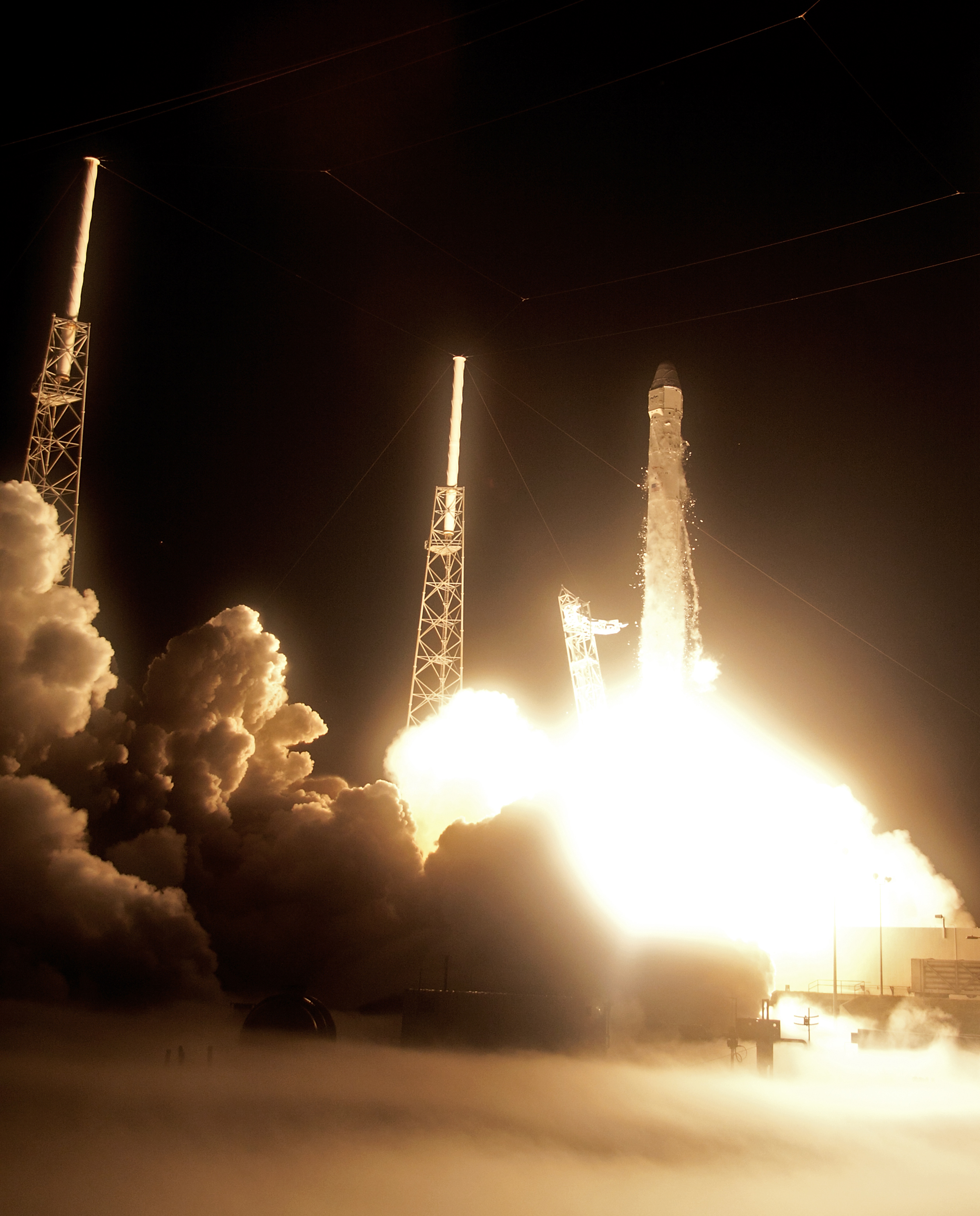 SpaceX rocket successfully launches - Photo 1 - Pictures ...