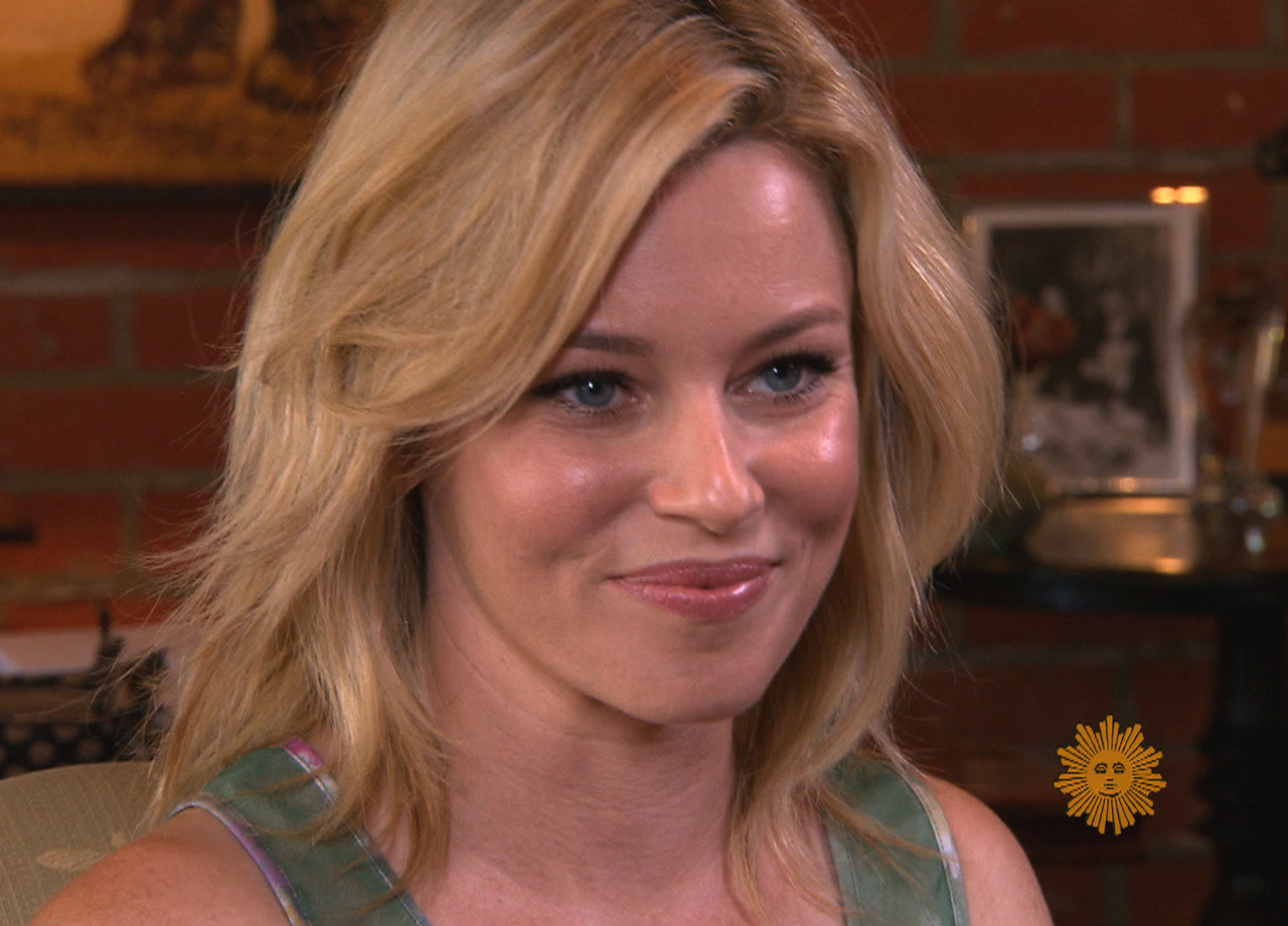 Scene Stealer Elizabeth Banks Is Quot Pitch Perfect Quot Cbs News