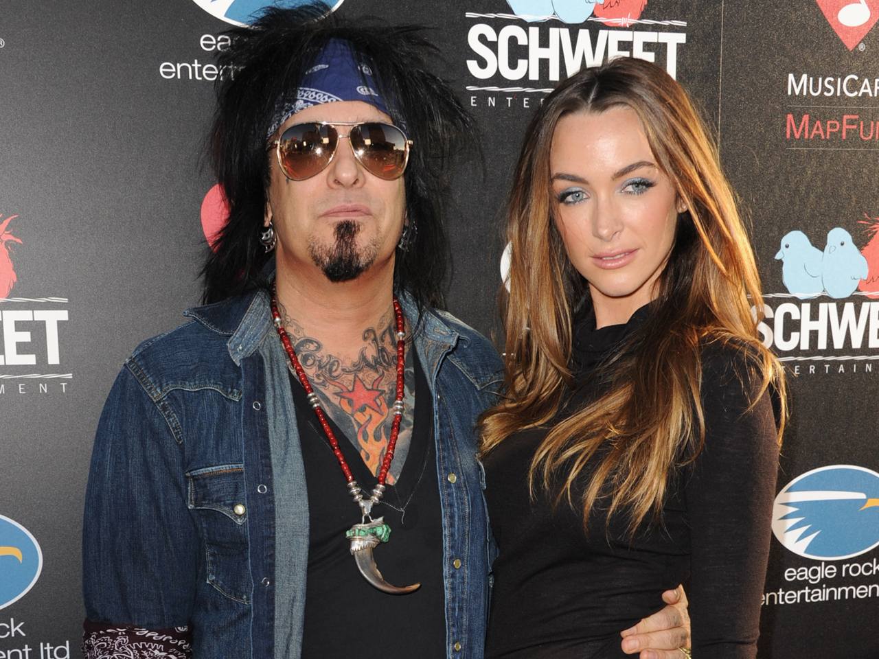 who is nikki sixx dating july 2011