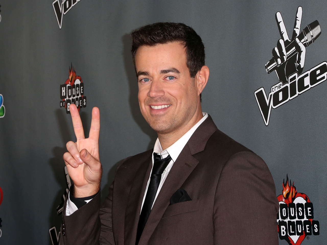 Chrissy Teigen And Carson Daly To Ring In 2019 With Keith ...