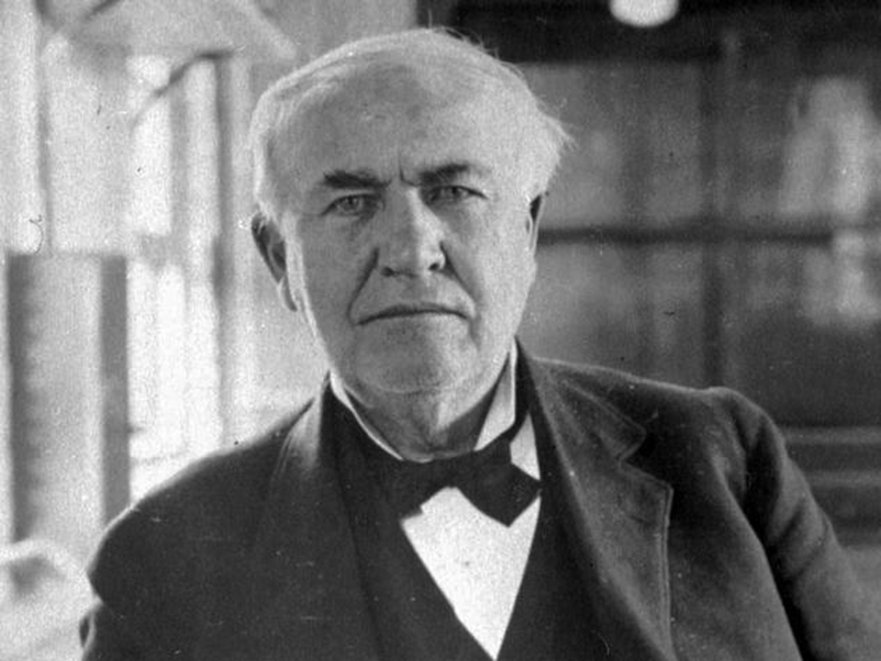 Thomas Edison Hologram Chats At Detroit Auto Show Cbs News
