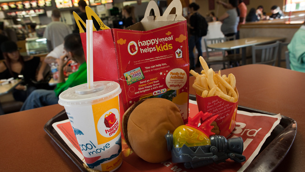 Mcdonald 39 s to put fish mcbites in happy meals cbs news for Mcdonalds fish calories
