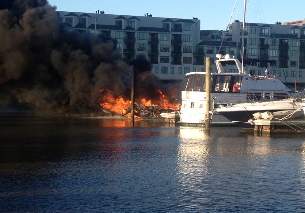 3 Boats Damaged In Hudson River Marina Fire Cbs News