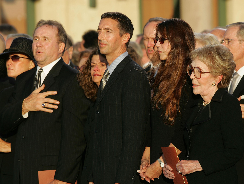 Ron Reagan Jr Wife