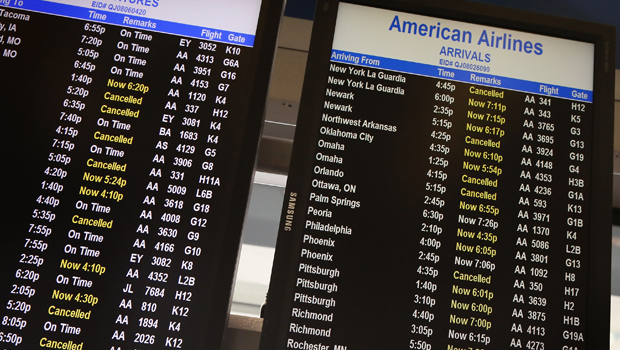American Airlines Resumes Most Flights Cbs News