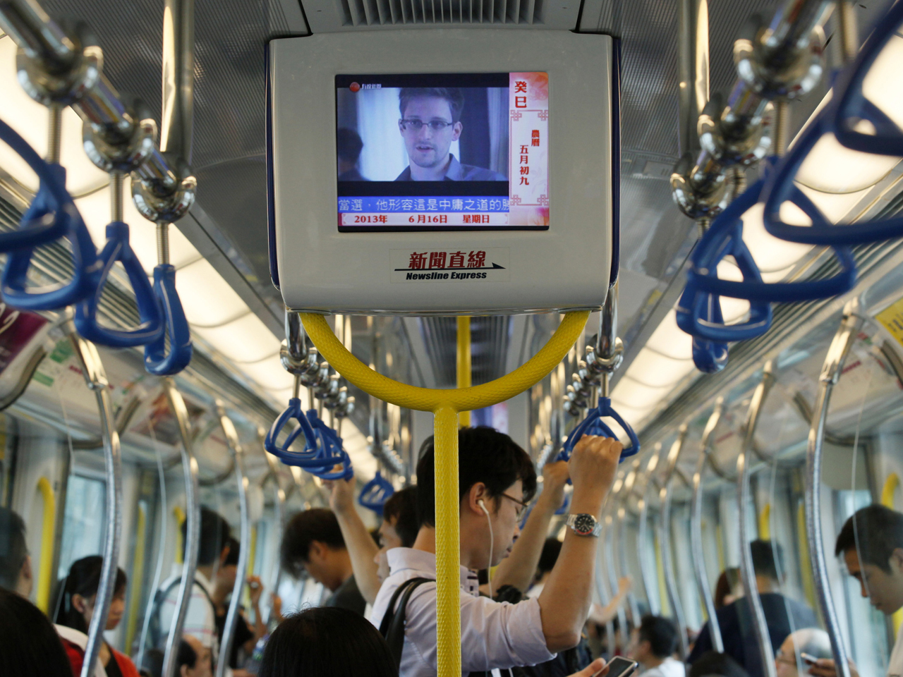 edward snowden s espionage charges met in hong kong with