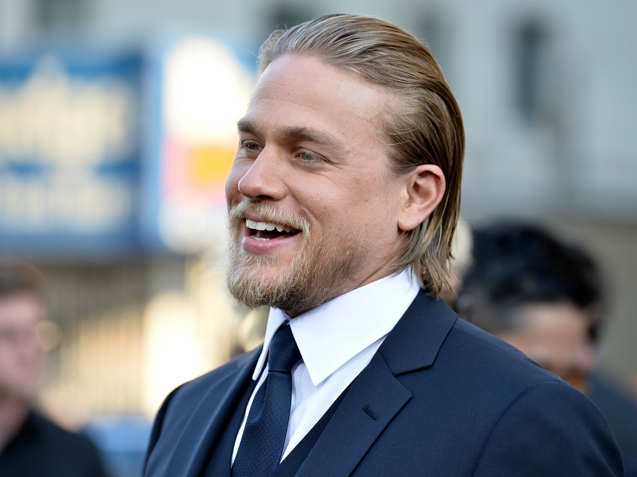 charlie hunnam photo 1 pictures cbs news
