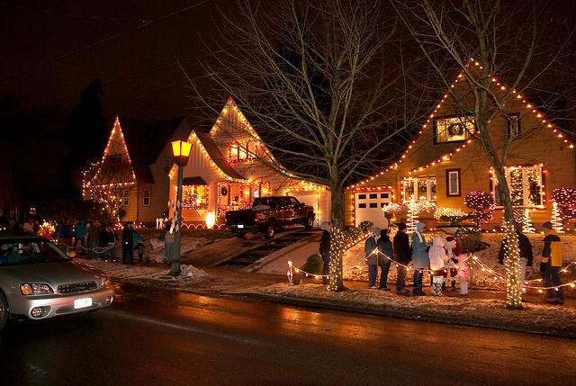 Christmas Light Displays For