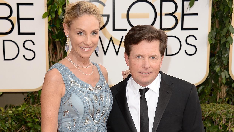 E Apologizes To Michael J Fox For Parkinson S Disease