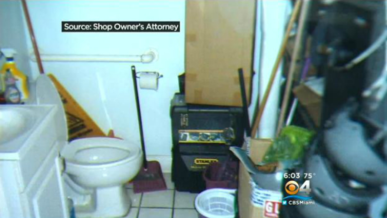 Report fla business 39 s bathroom cam seized by cops for Hidden bathroom pics