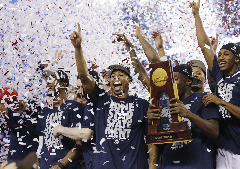 NCAA basketball tournament: UConn tops Kentucky to take ...