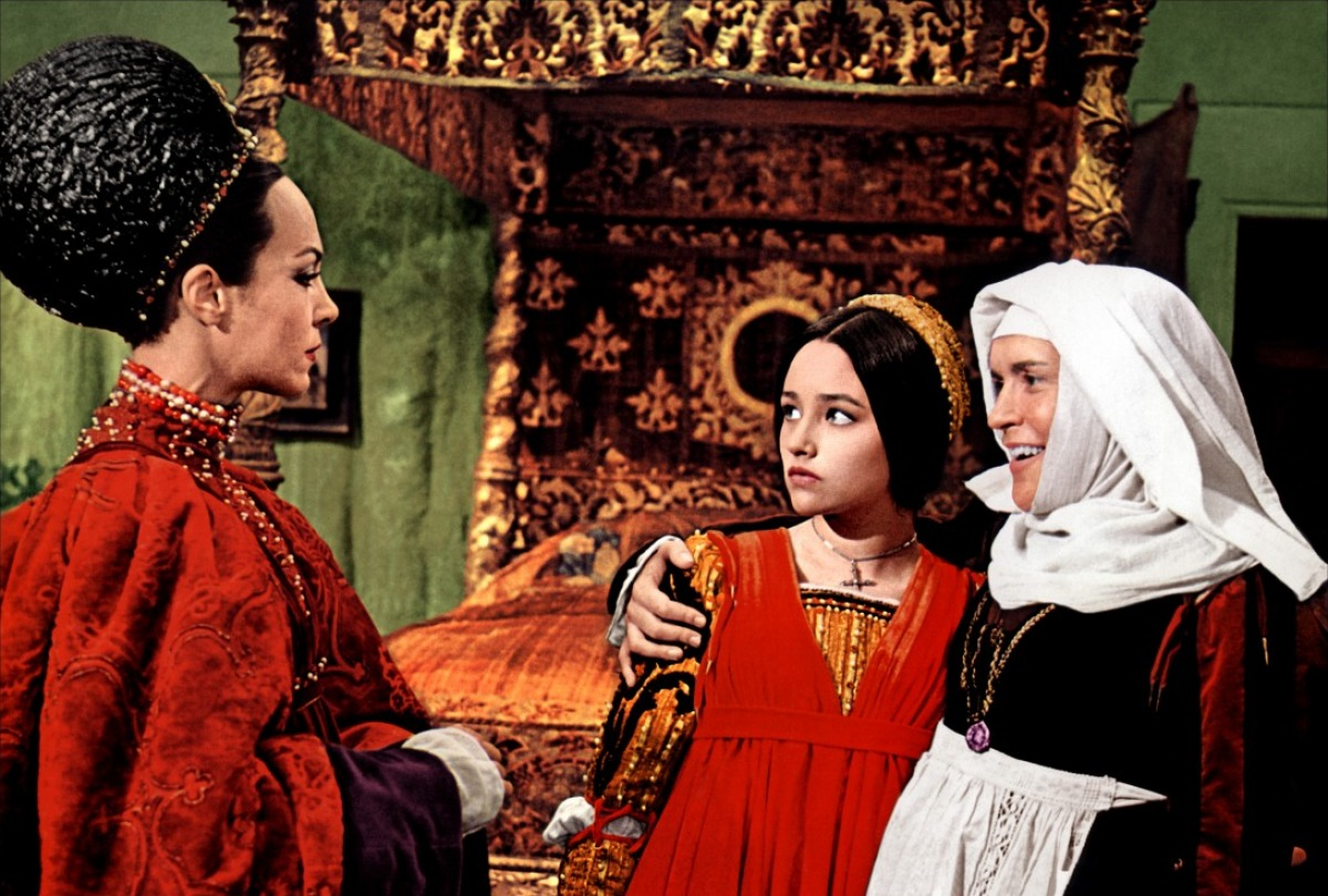 romeo and juliet 1968 and 1996 films essay Give an account of the way that film adaptations may change our understanding  of shakespeare's plays baz luhrmann's william shakespeare's romeo juliet.