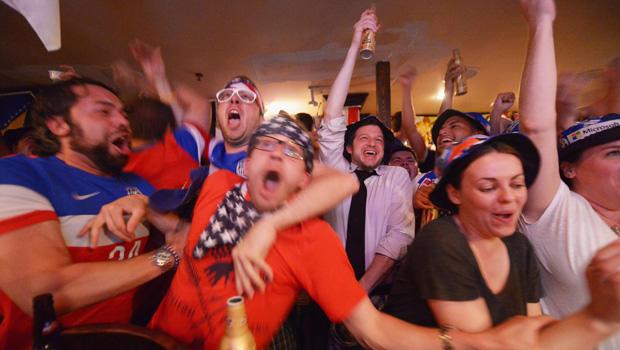 world-cup-2014-usa-fans-620-450728502.jpg