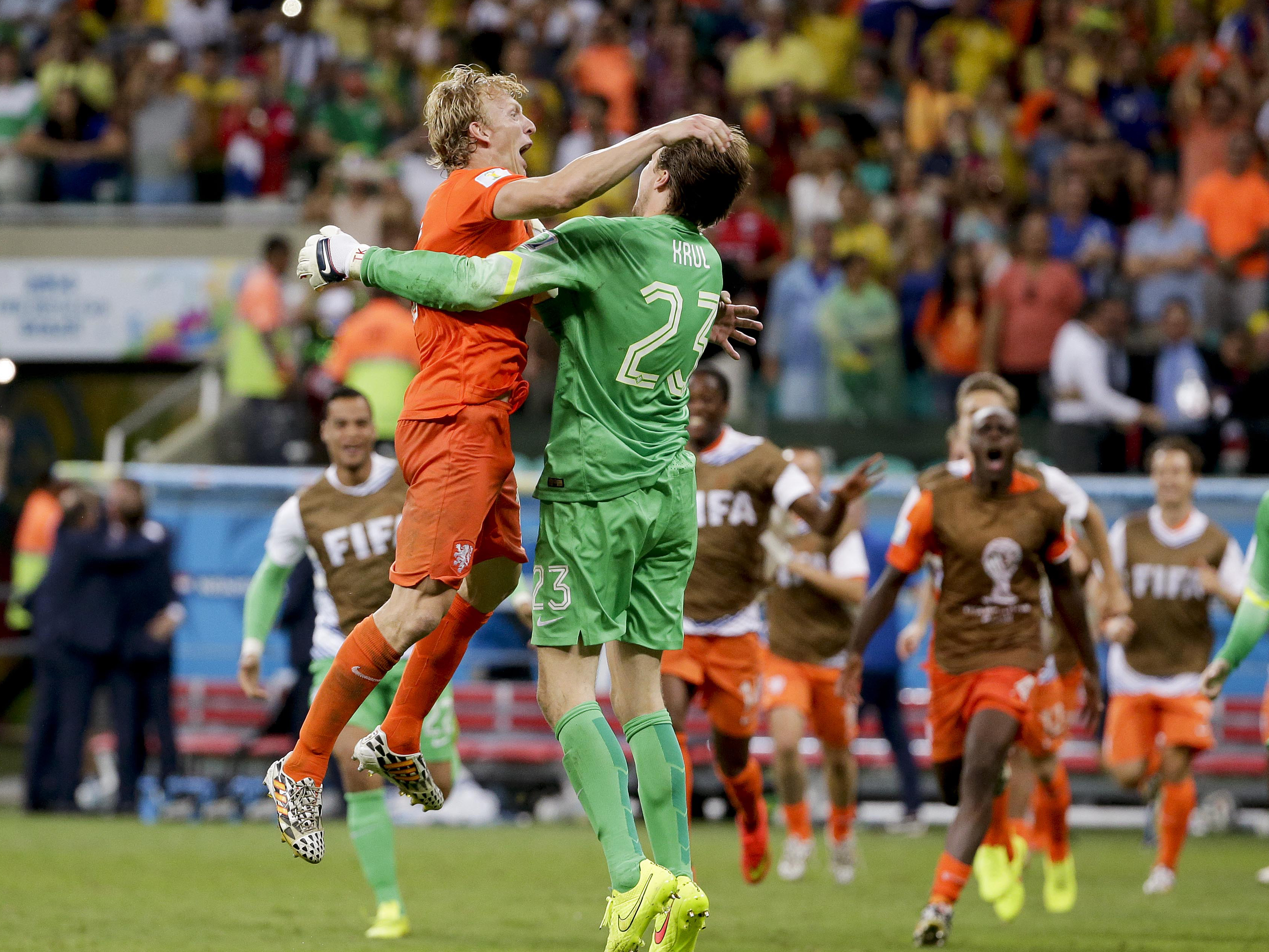 World Cup 2014: Netherlands ekes out win, will play ...