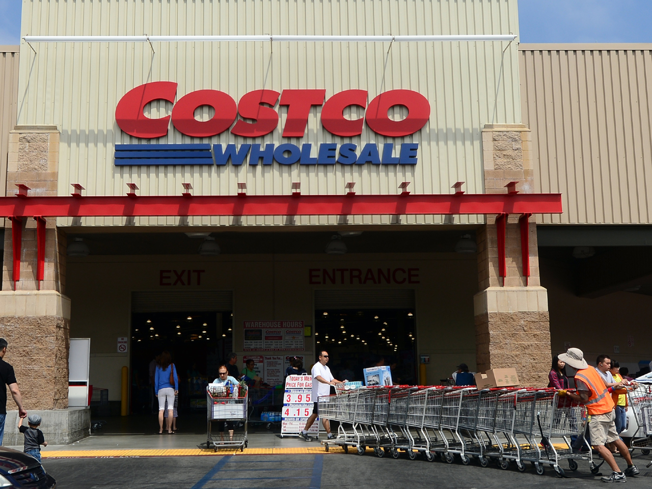 Blue apron costco - Markup Is Never More Than 15 Percent 12 Things About Costco That May Surprise You Cbs News