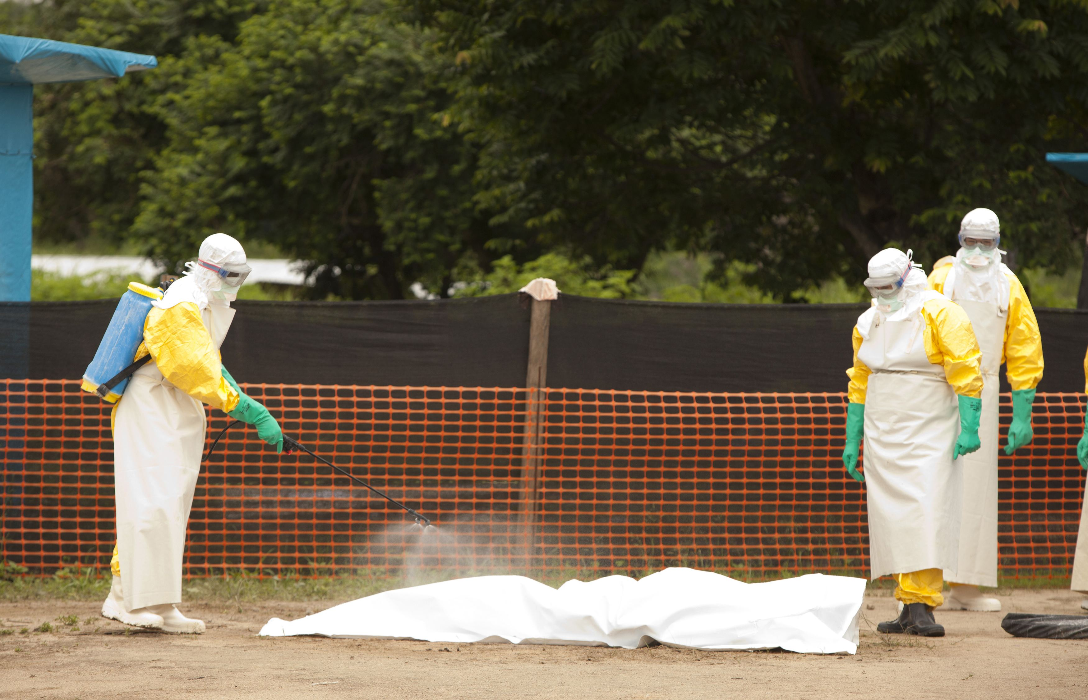 Ebola now blamed for 729 deaths in West Africa - CBS News