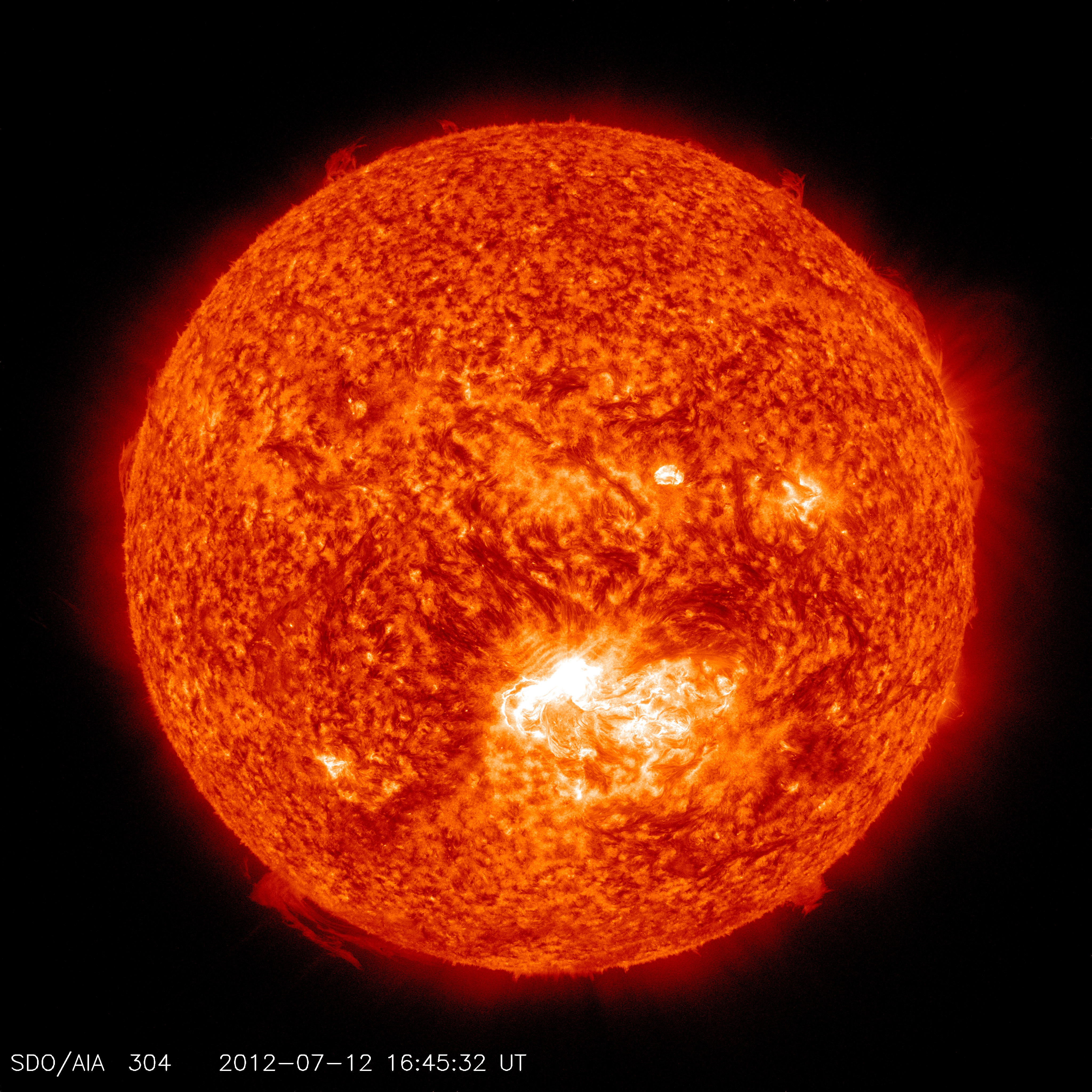 """""""Extreme"""" solar storm streaking towards Earth, scientists ..."""