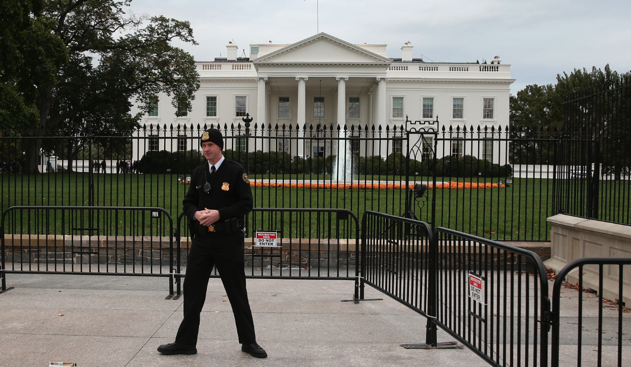 Man Cave Radio Show Washington Dc : Man with rifle ammunition arrested near white house cbs