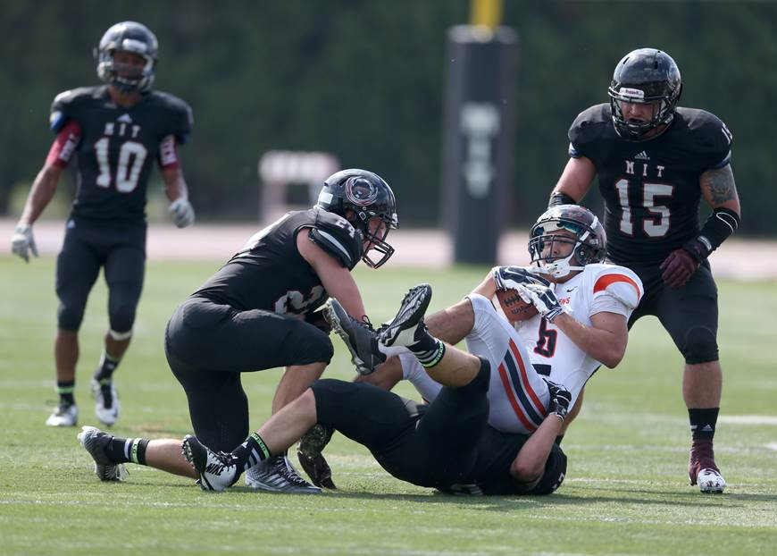Mit Engineers Football Team Undefeated For First Time In