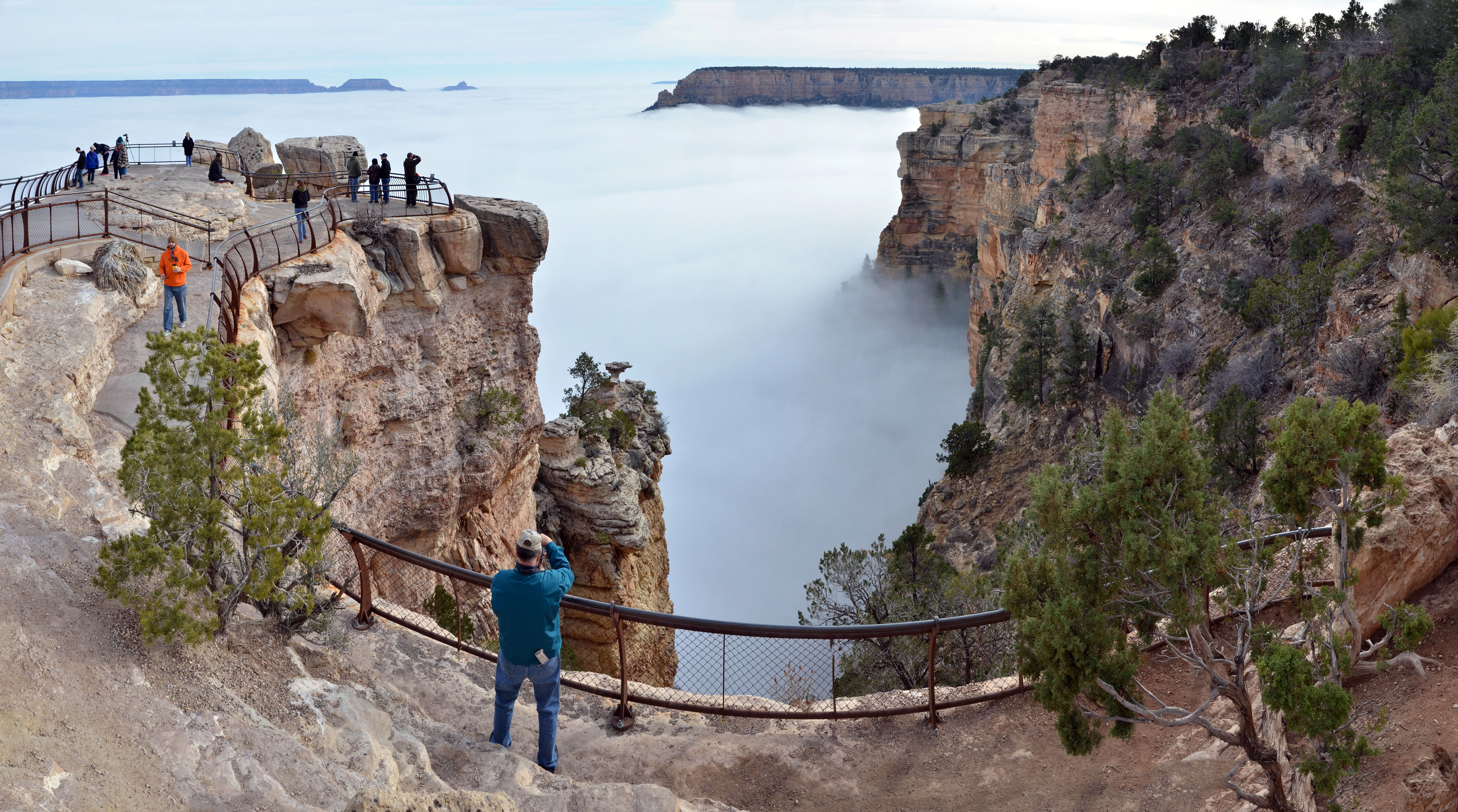 grand canyon national park grand canyon fills with fog. Black Bedroom Furniture Sets. Home Design Ideas