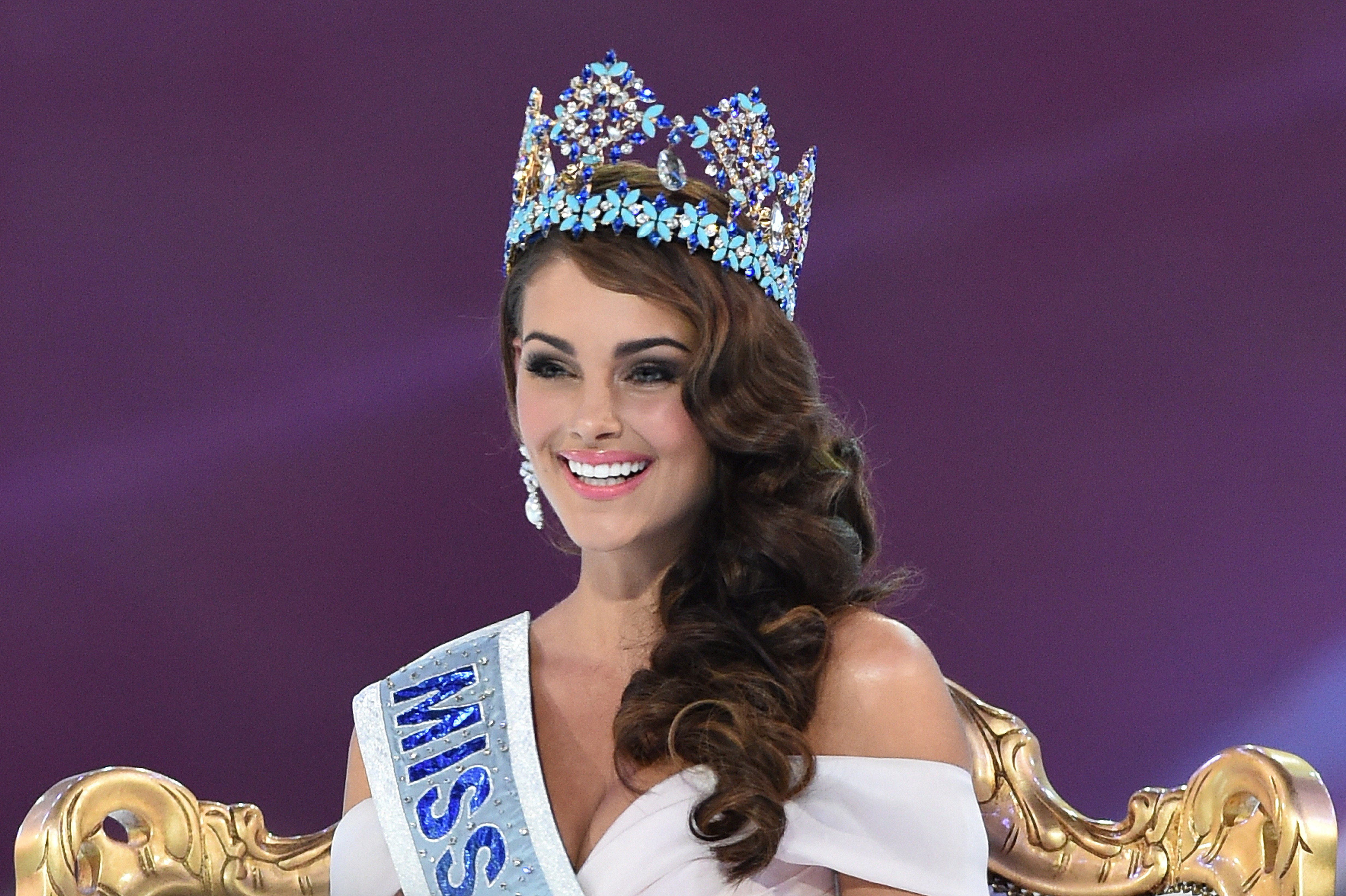 Joy for South Africa as Rolene Strauss wins Miss World