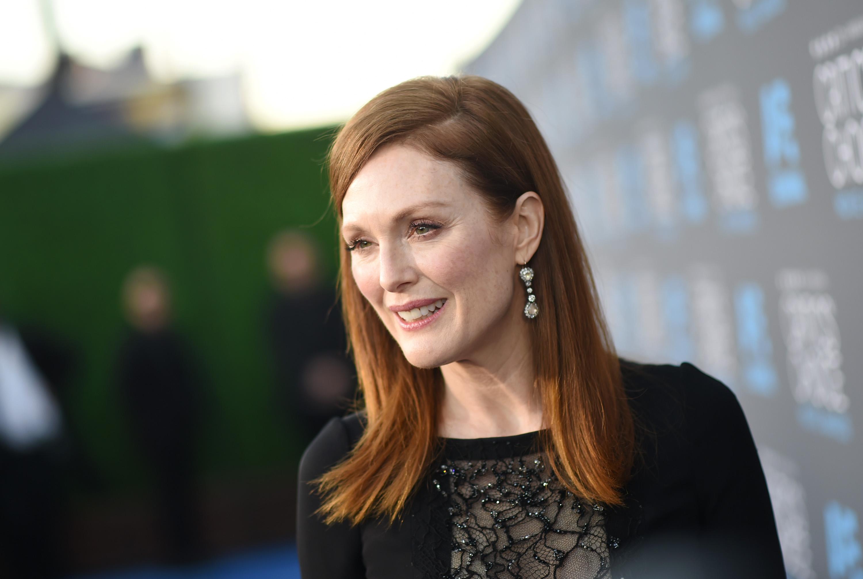 Oscars 2015 Julianne Moore To Help Design Green Room