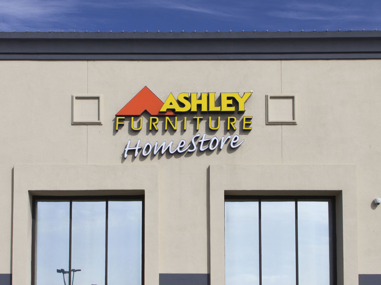 Ashley furniture arcadia ashley furniture arcadia wi for 1 furniture way arcadia wi