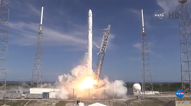 Spacex Launches Cargo To Iss Fails Landing Attempt Cbs News