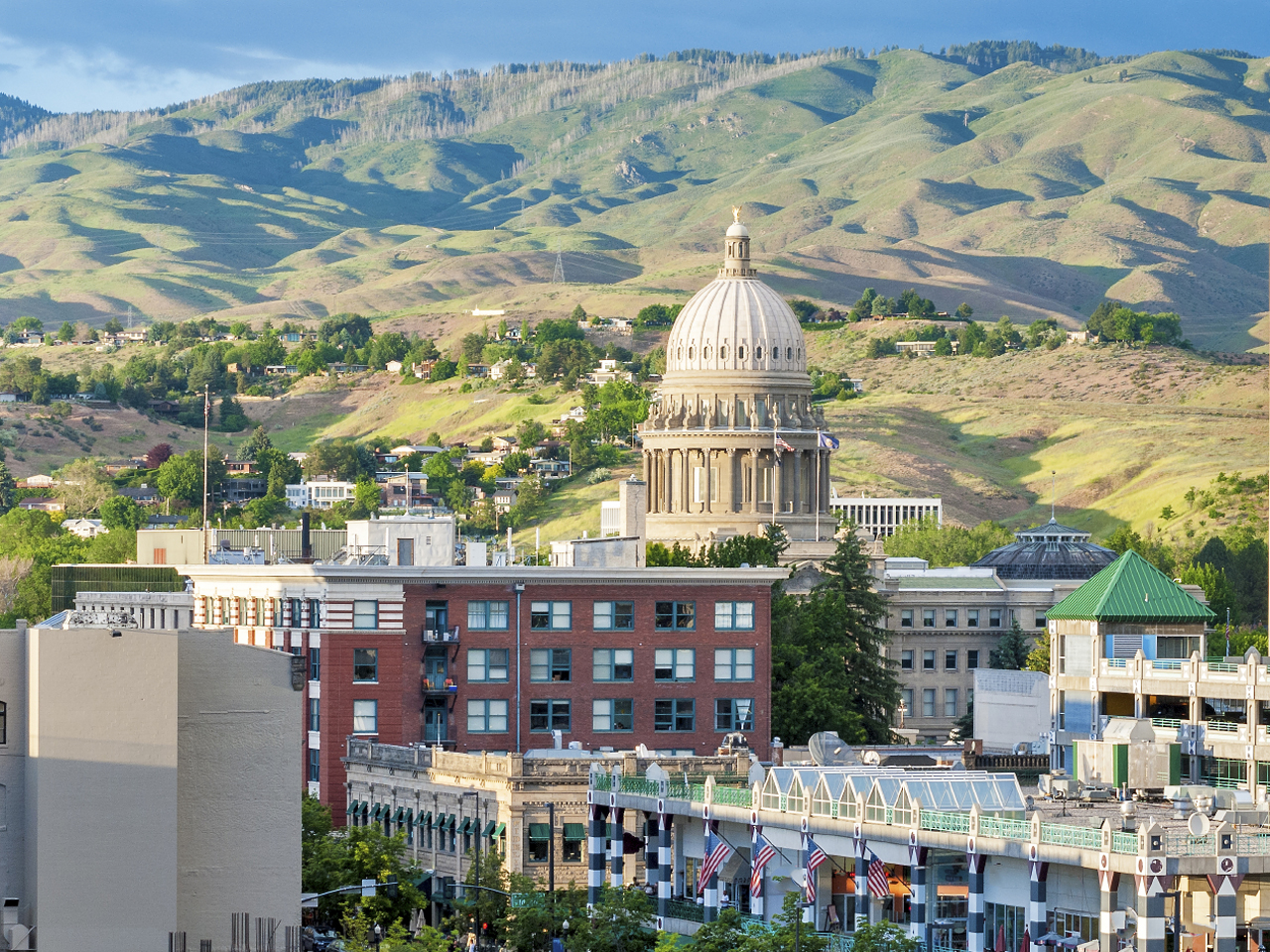 The 9 Best Up And Coming Towns For College Grads Cbs News