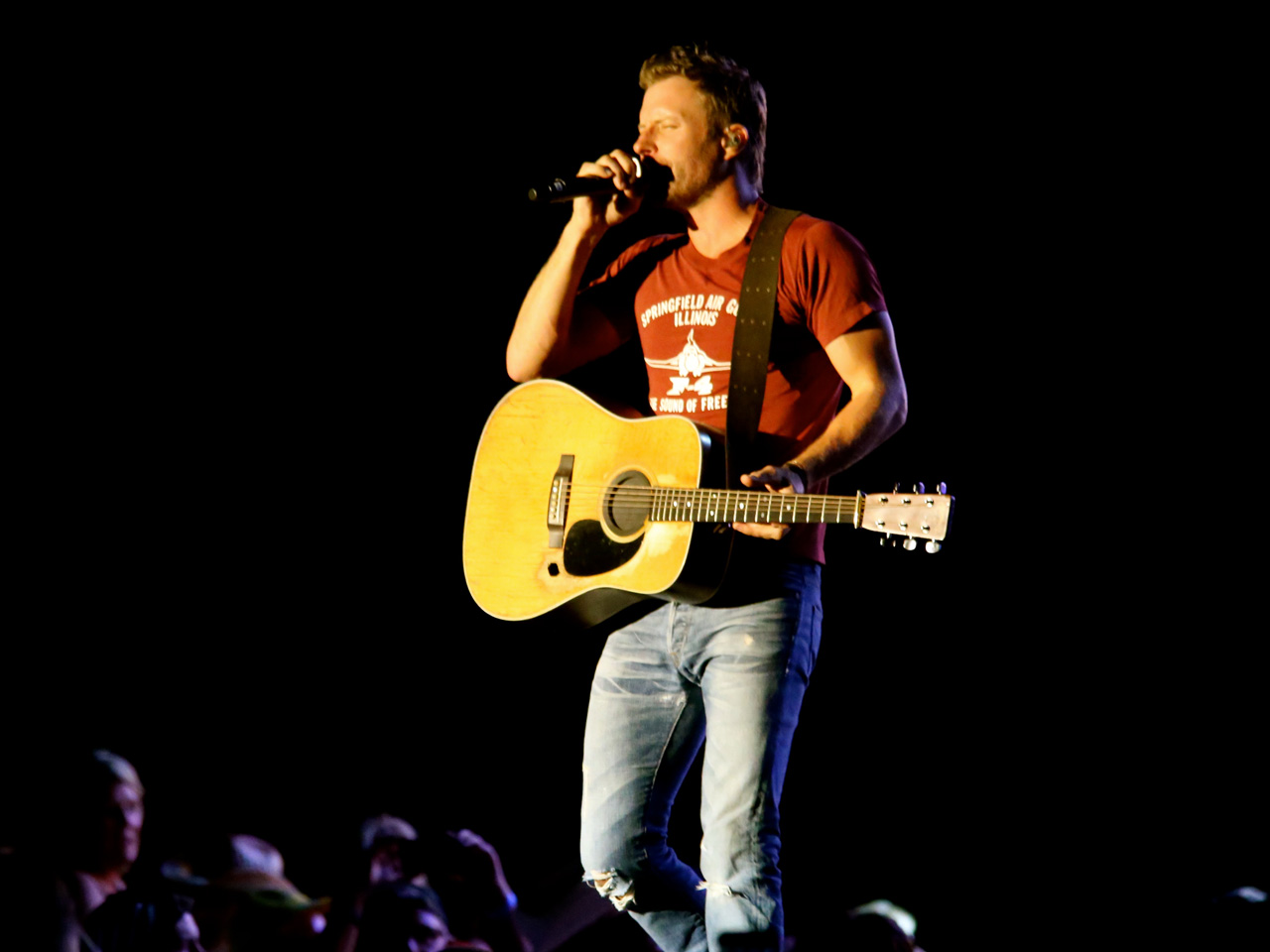 Dierks Bentley Country Thunder 2015 Pictures Cbs News