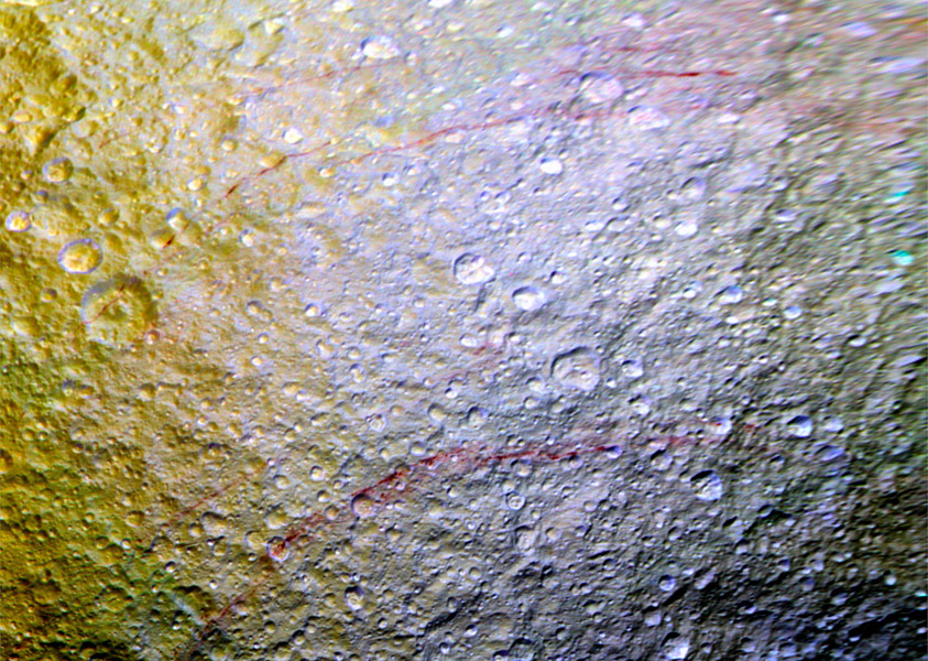 "Mystery ""graffiti"" on Saturn moon has experts stumped ..."