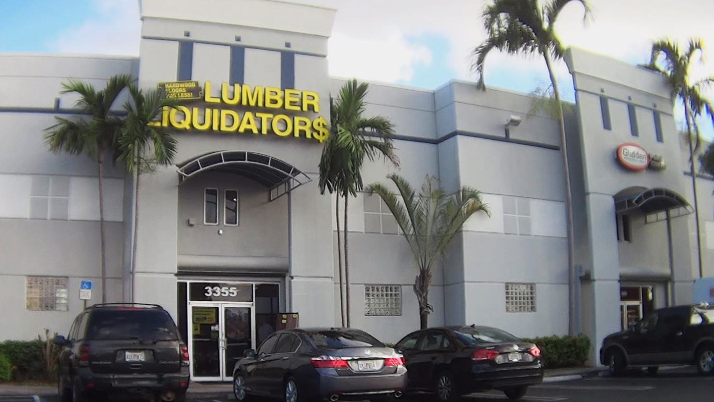 Lumber liquidators cbs news for Siding liquidators