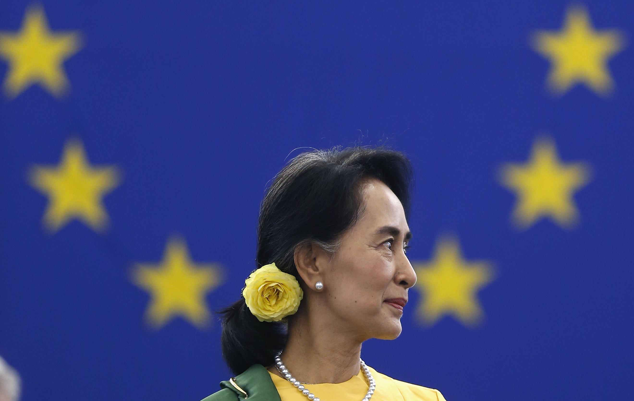 aung san suu kyi nobel laureate and burmese opposition leader aung san suu kyi pictures. Black Bedroom Furniture Sets. Home Design Ideas