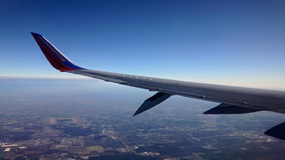Southwest Airlines flight 987 emergency landing in San ...  Southwest Airli...
