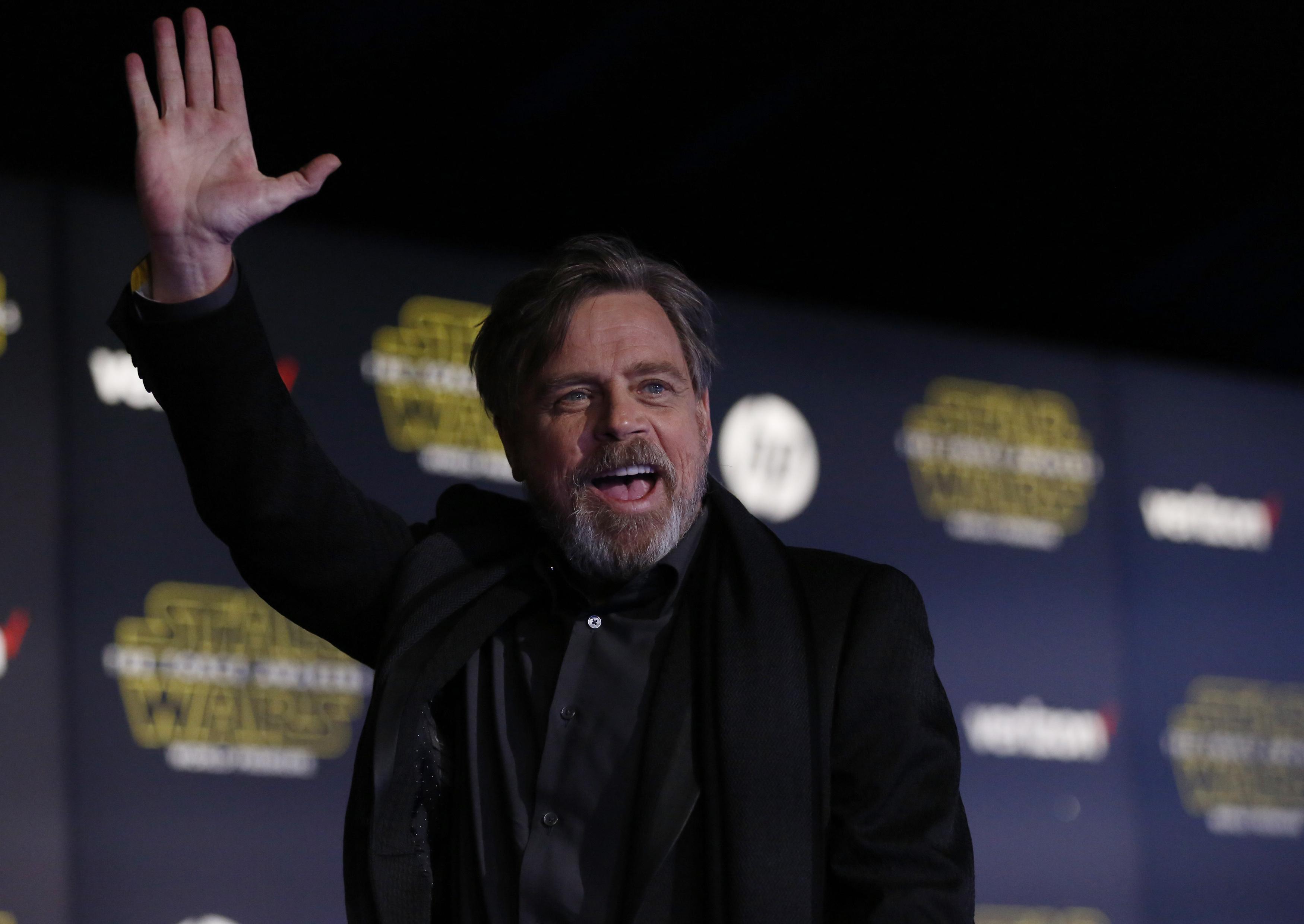 "J.J. Abrams predicts Mark Hamill Oscar nomination for ""Star Wars"""
