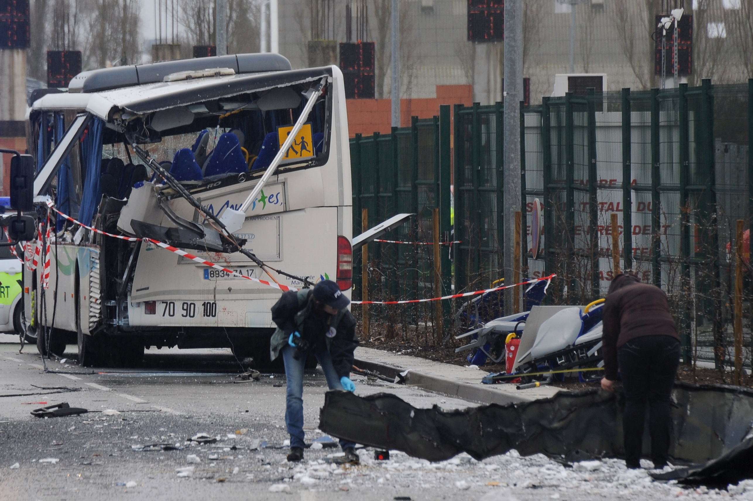 france school bus crash with truck kills students in rochefort on atlantic coast cbs news. Black Bedroom Furniture Sets. Home Design Ideas