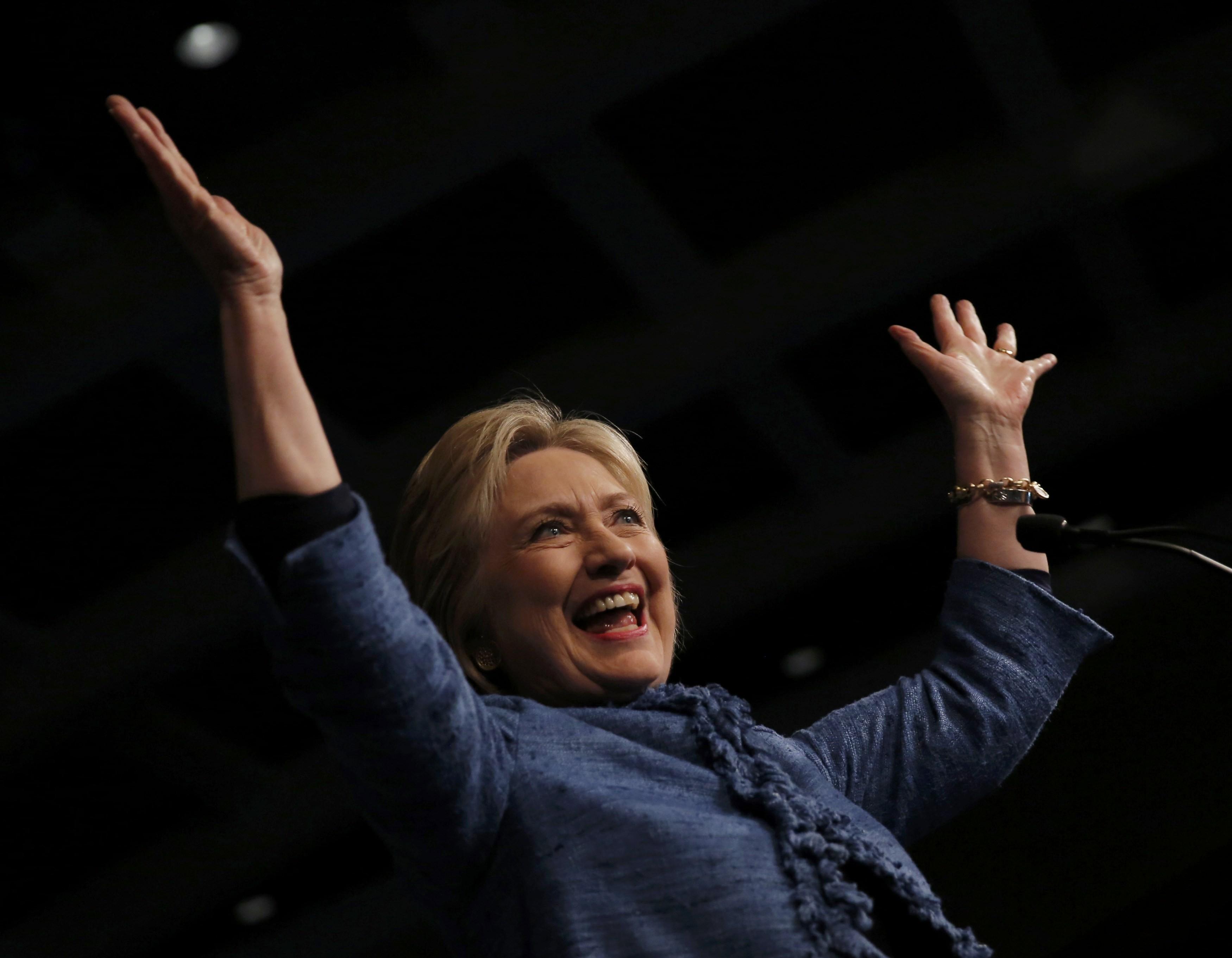 Clinton wins Florida, N.C., Ohio, Illinois; tight race in ...