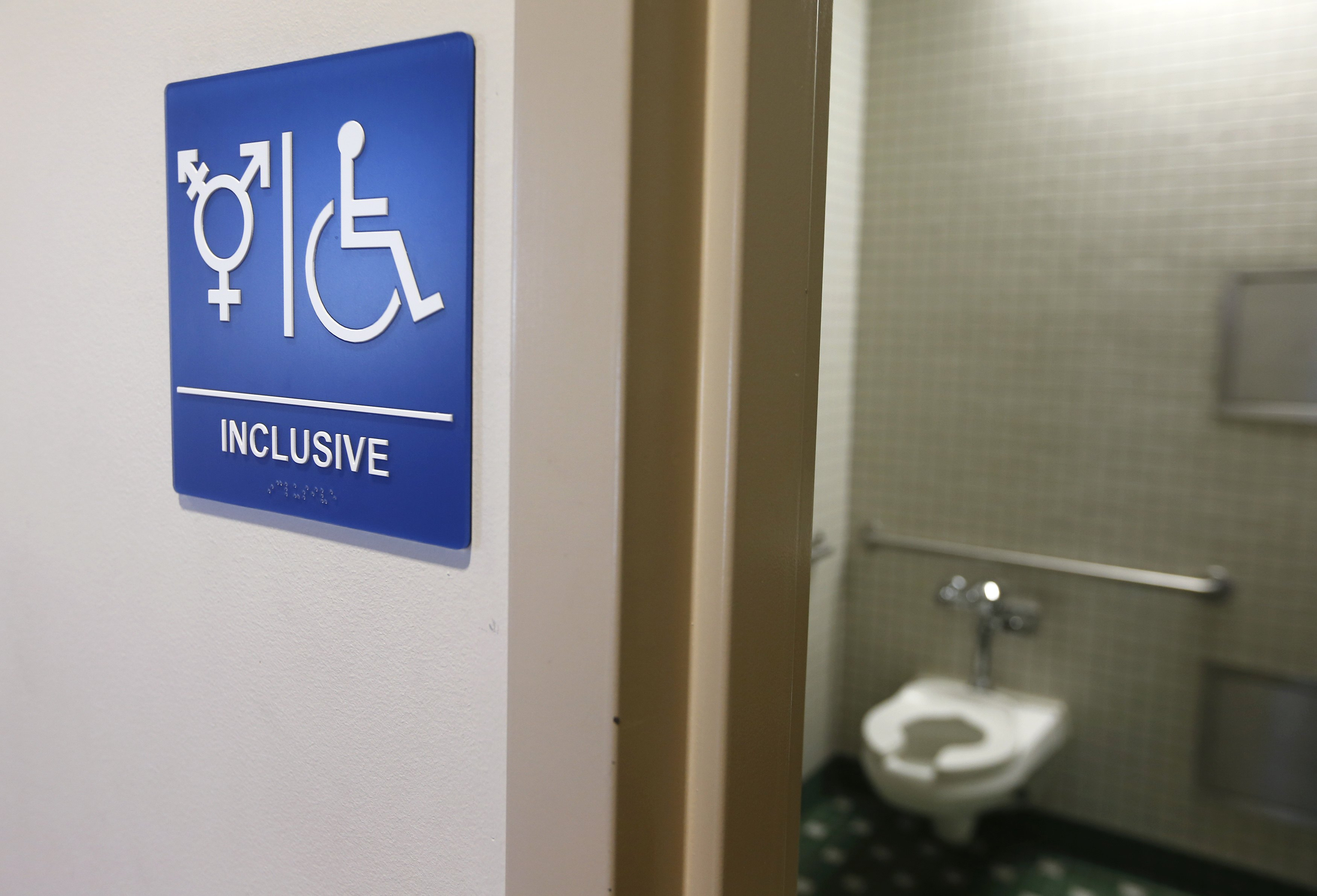 tennessee lawmakers under fire over transgender bathroom bill