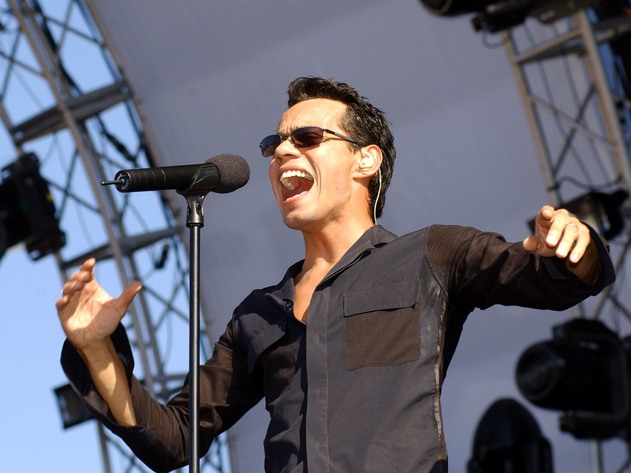 """marc antony Marc anthony is single once again the """"vivir mi vida"""" singer and his wife of two years, shannon de lima, announced on friday that they are separating."""