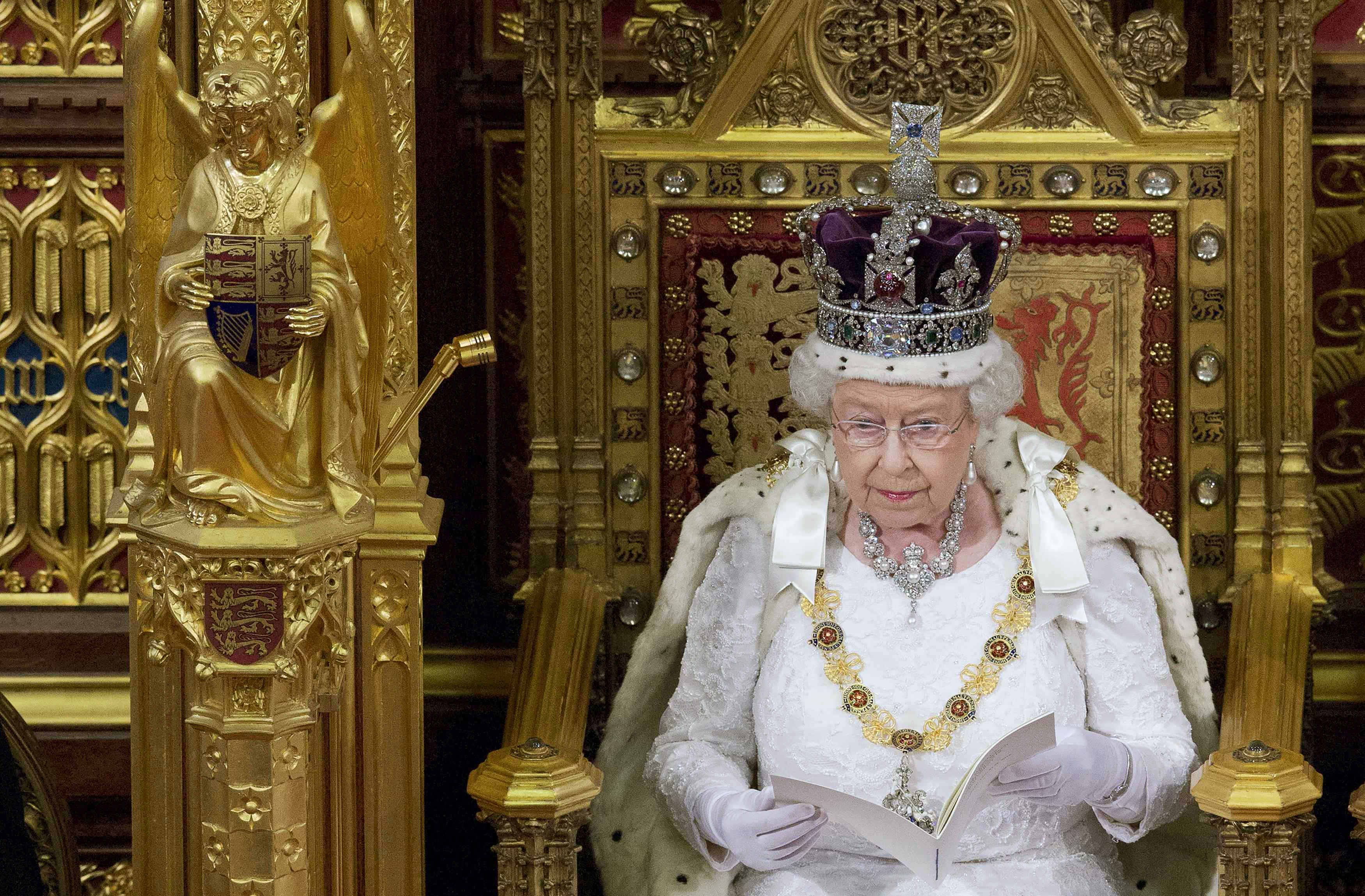 queen elizabeth i one of the greatest monarchs of england Queen elizabeth crowned 'the greatest ever monarch' - but which one  who abdicated, at 14% and king john of england and charles i, who both received 8%  the greatest monarchs queen .