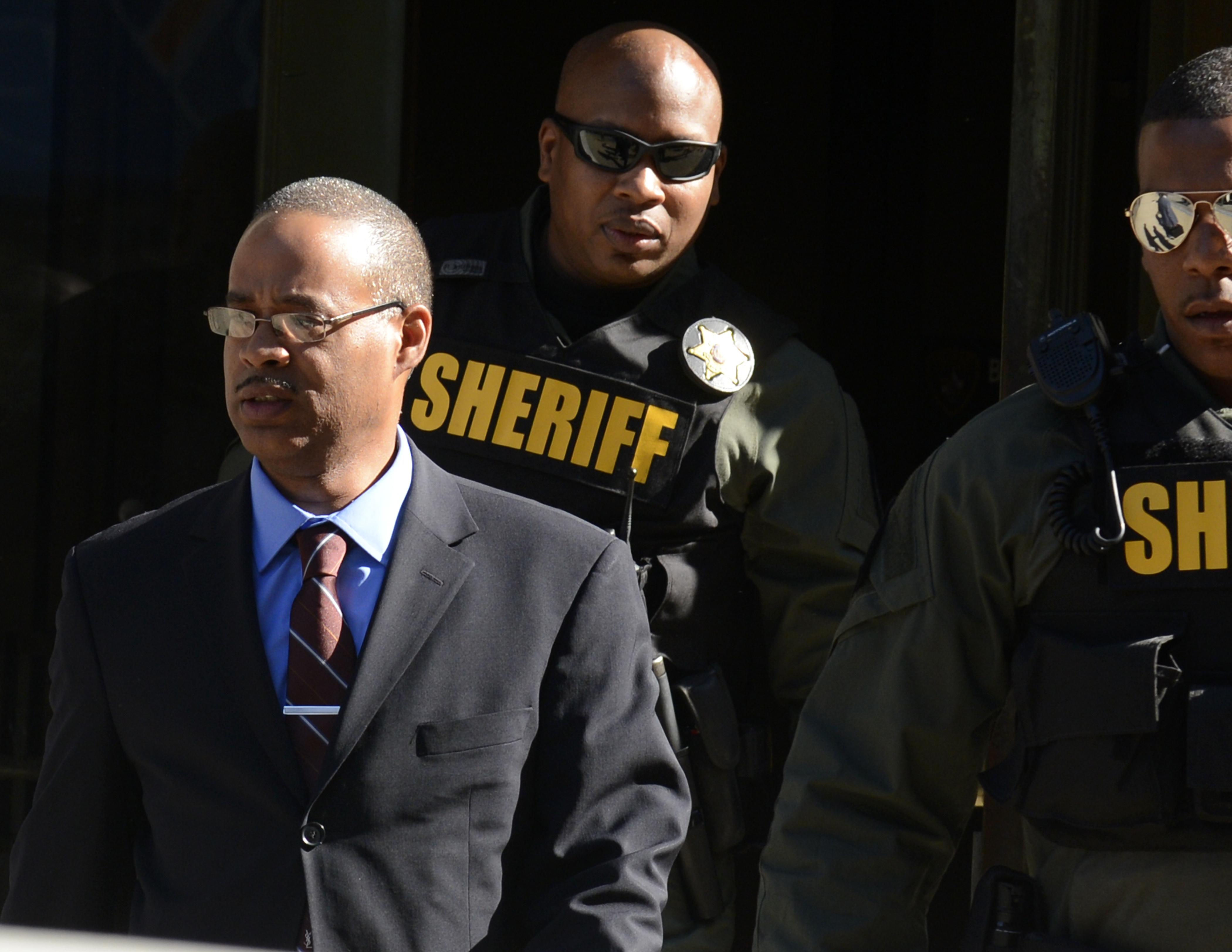 prosecutors introduce new theory in rd freddie gray trial cbs news