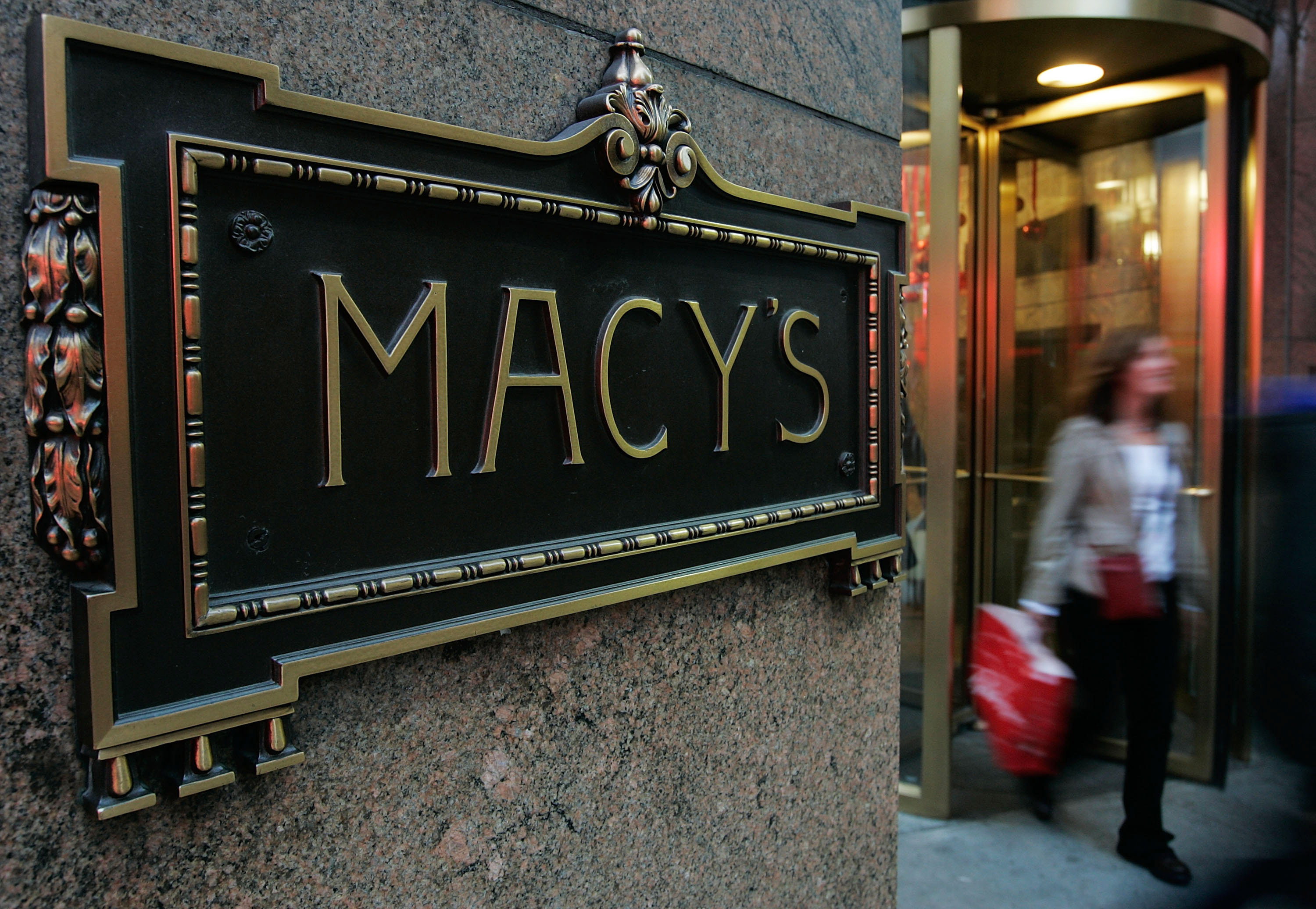 a sign of the times macy 39 s closing another 100 stores cbs news. Black Bedroom Furniture Sets. Home Design Ideas