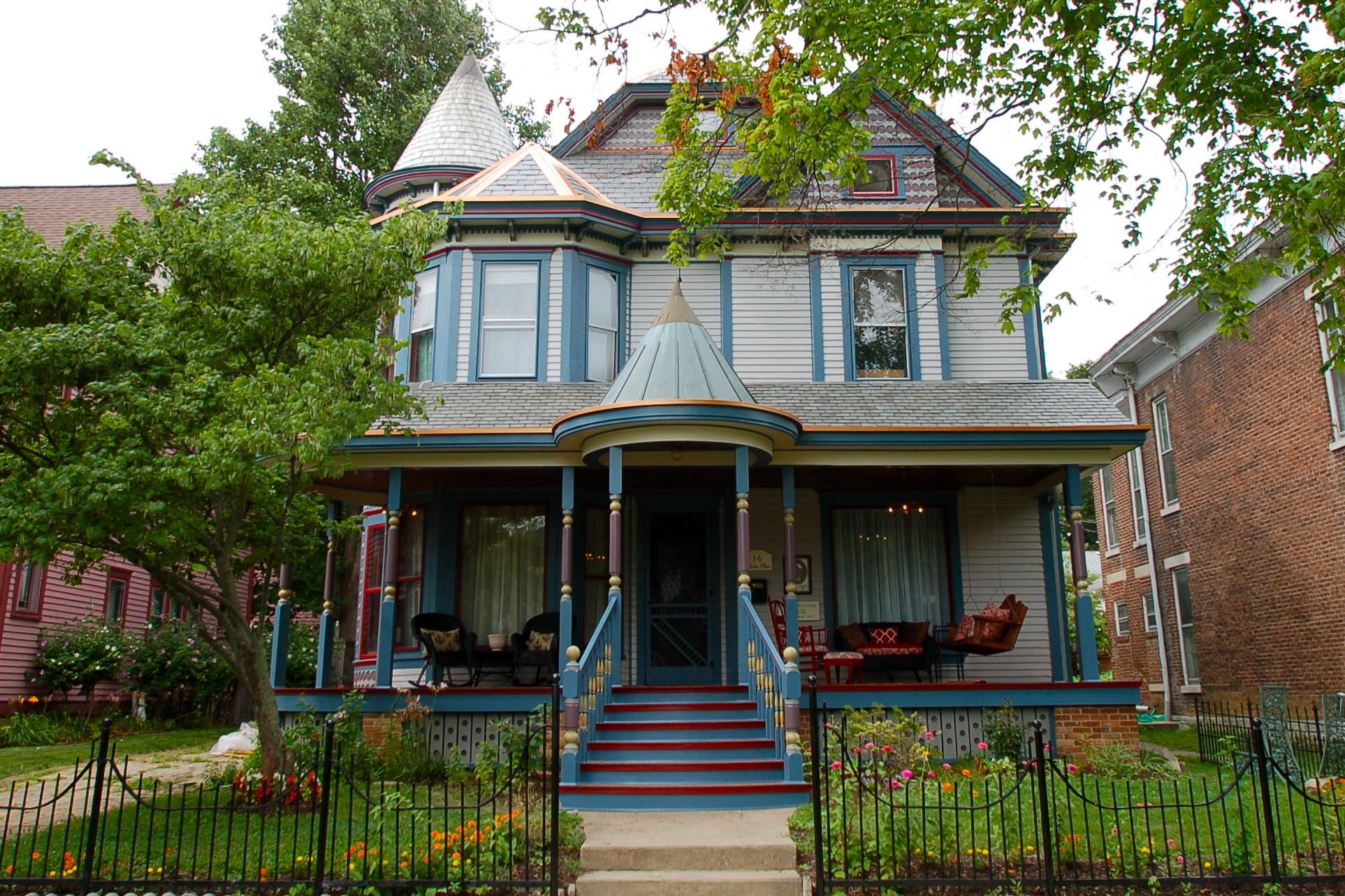 Buying a historic home 6 owners share the pros and cons for Victorian colonial homes