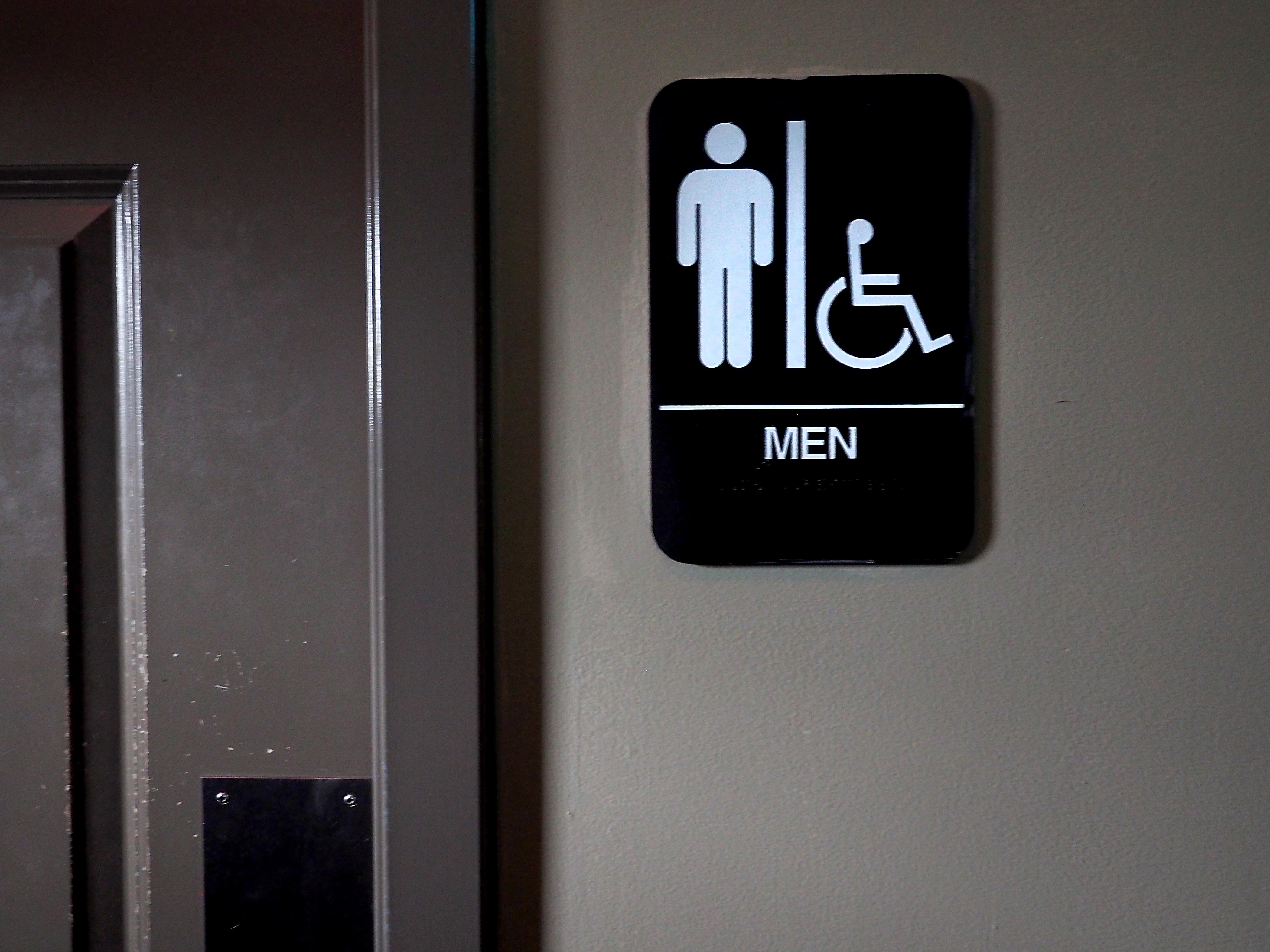 Texas bathroom bill unveiled ahead of 2017 session cbs - Which states have bathroom bills ...