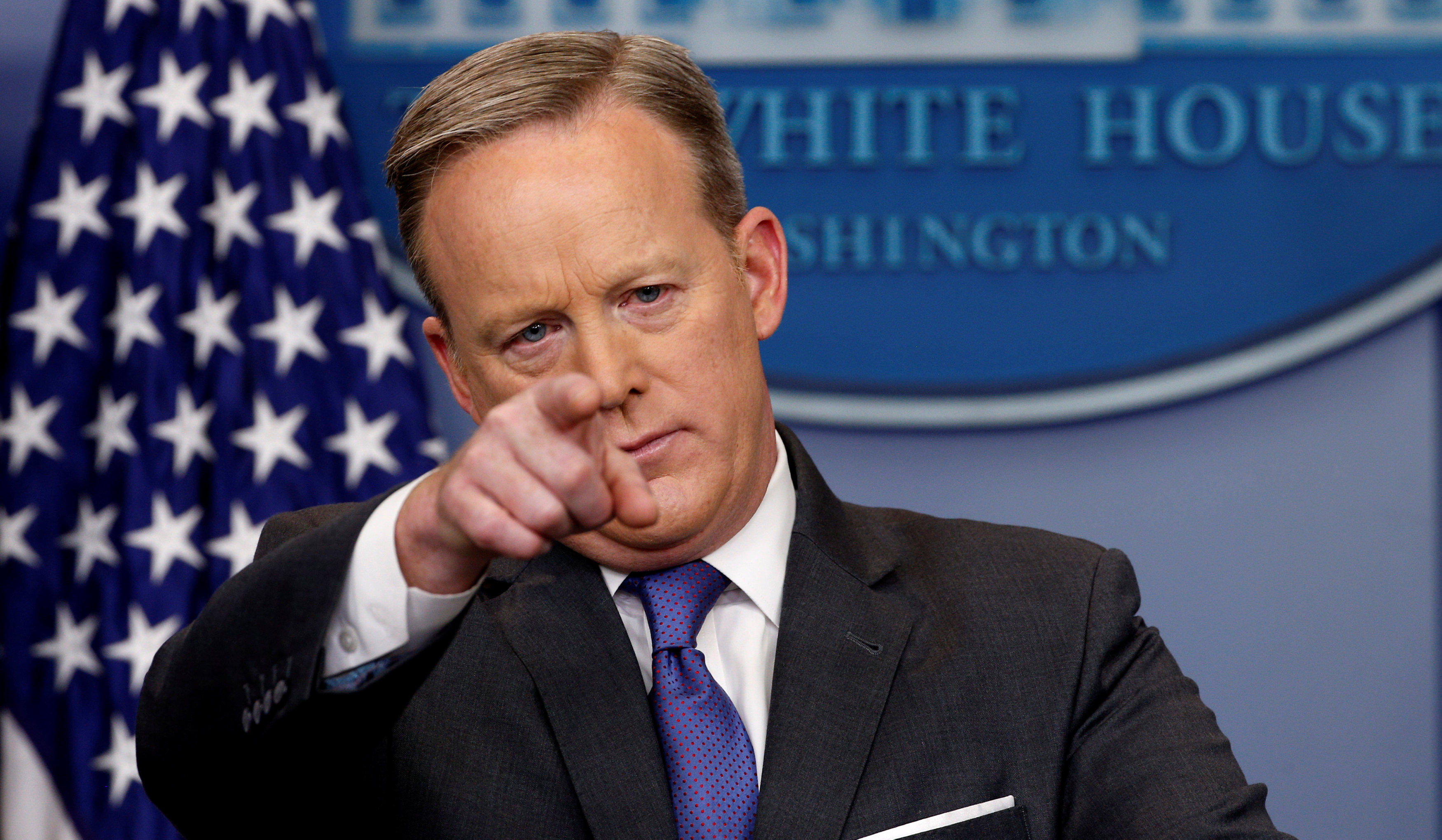 Sean Spicer press conference live updates - CBS News