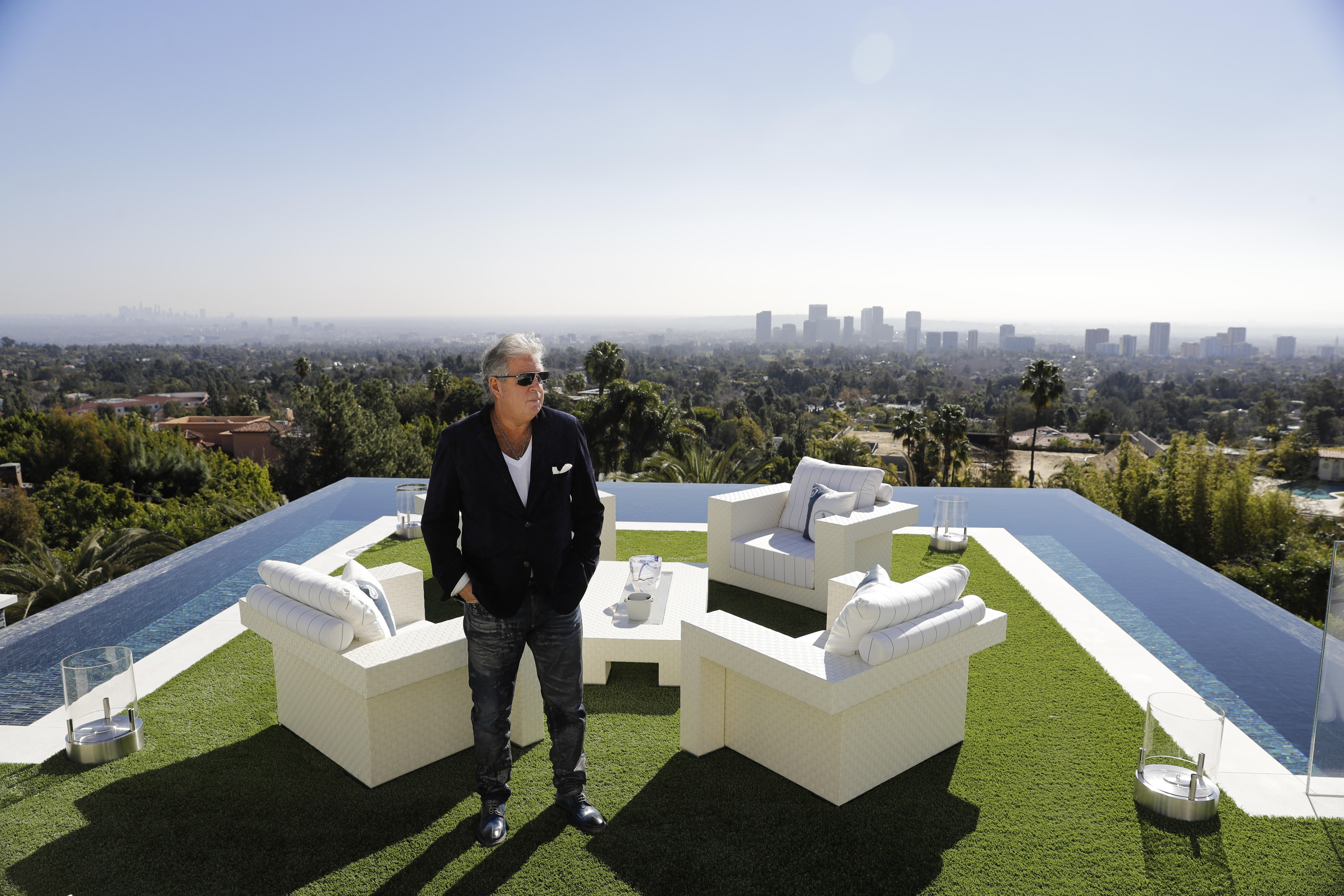 Inside the most expensive home in america cbs news for Most expensive house in us