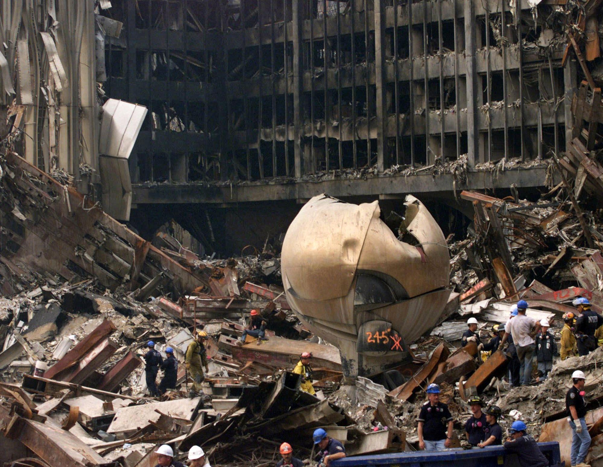 fritz koenig sculptor whose work the sphere withstood 9 11 attack dead at 92 cbs news. Black Bedroom Furniture Sets. Home Design Ideas